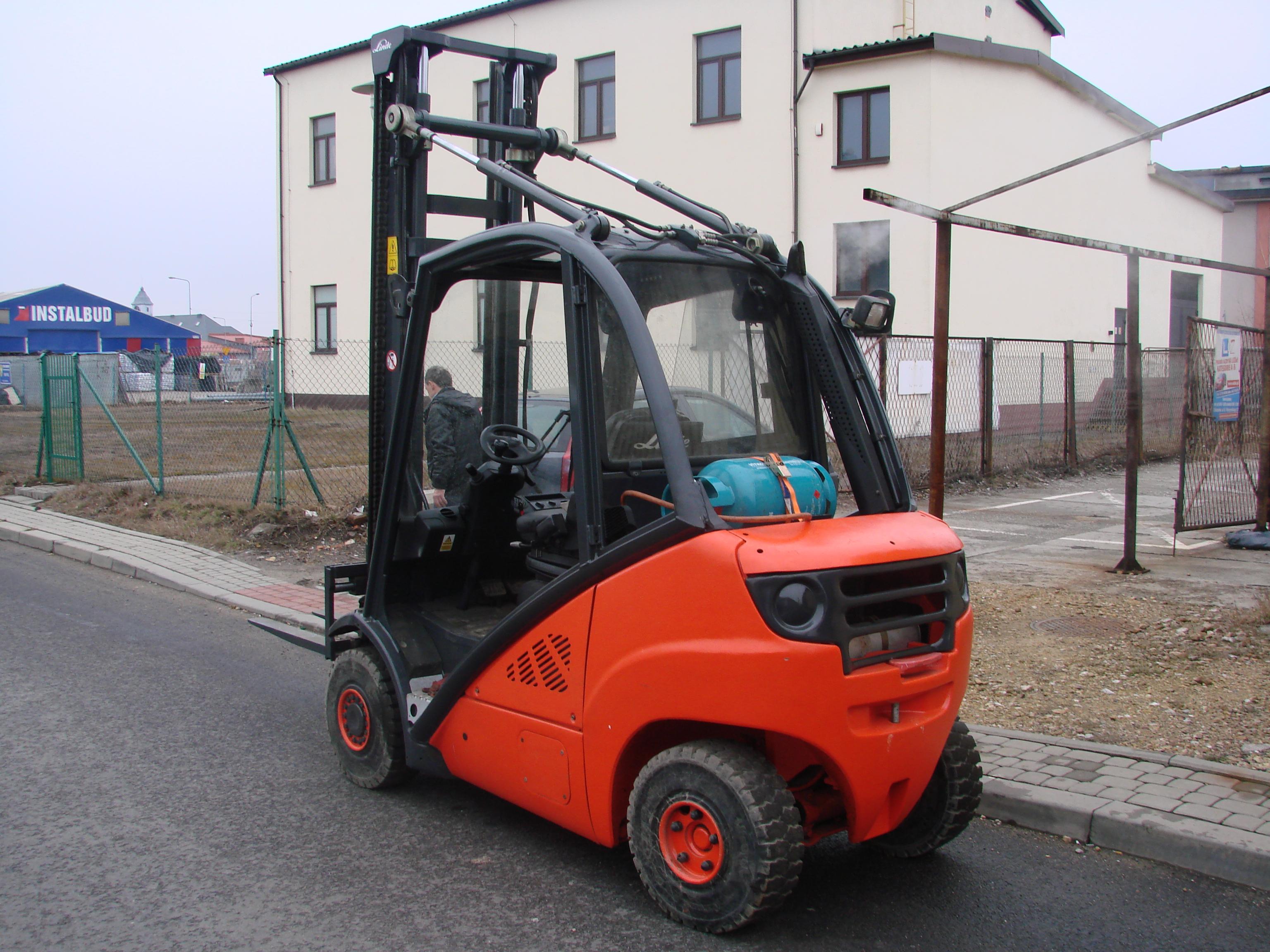 wózek jezdniowy podnośnikowy Linde H25T
